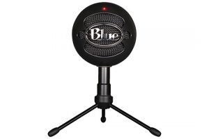 blue-snowball-studio-front