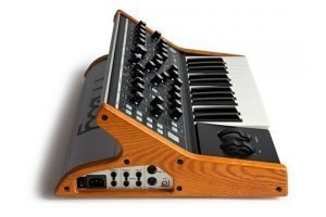 moog-subsequent-25-side