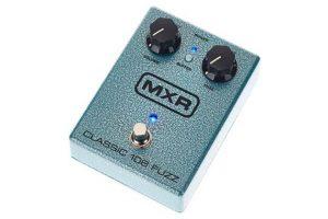 mxr-m173-classic-108-fuzz-angle-right