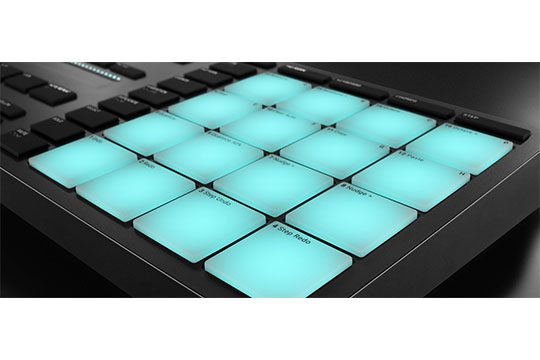 native-instruments-maschine-mikro-mk3-closeup