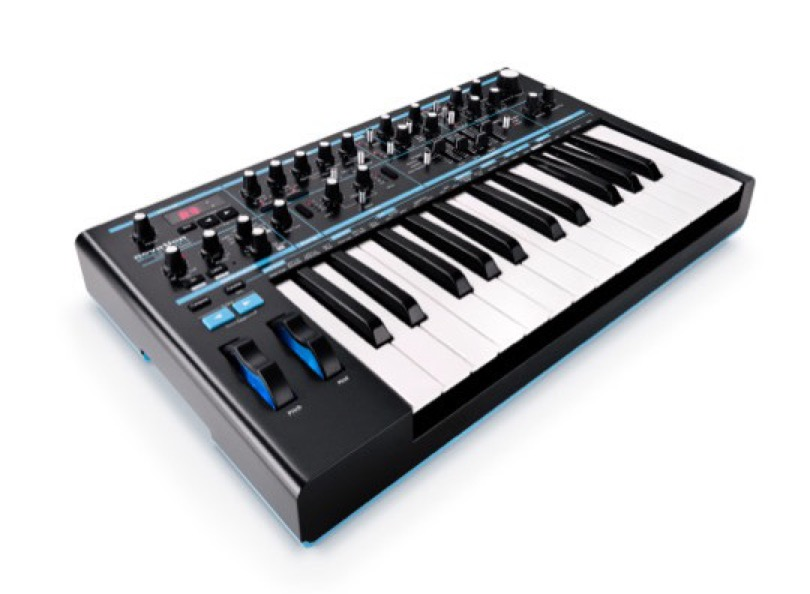 Novation - Bass Station II - Angle
