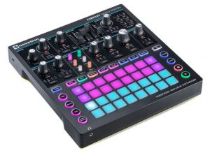 Novation - Circuit Monostation