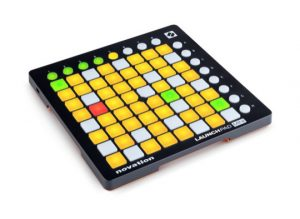 Novation - LaunchPad Mini mkII - Angle