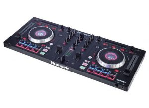 Numark Mixtrack Platinium Angle Right Side
