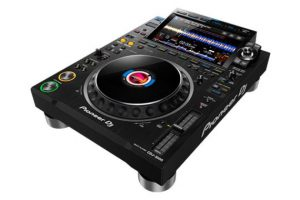pioneer-dj-cdj-3000-angle-right