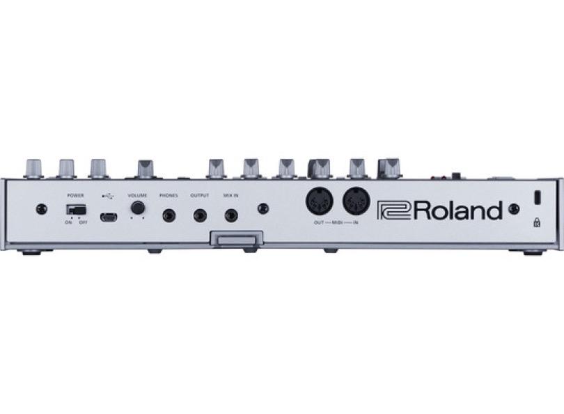 roland-tb-03-rear